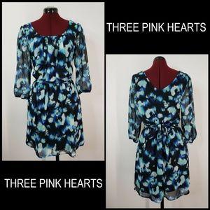 Three Pink Hearts Woman Elastic Pleats Short Dress